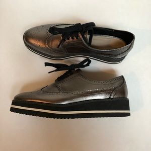Shoes - Zara Pewter Lace Up Oxfords